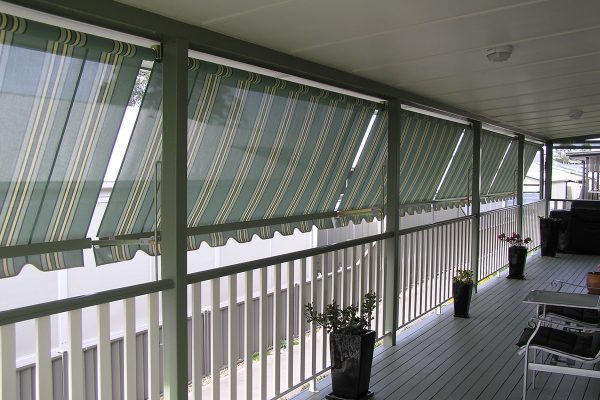 Automatic-awning-1-resized