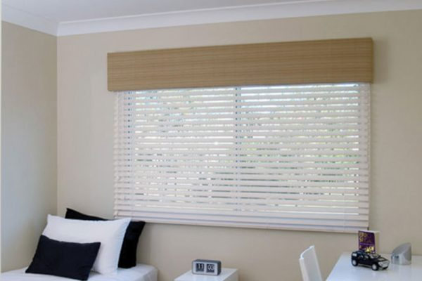 Fauxwood-Venetian-Blinds-Display-Home