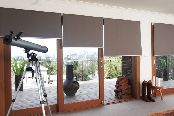 Roller-Blinds-in-Mermet-Kenross-Jute