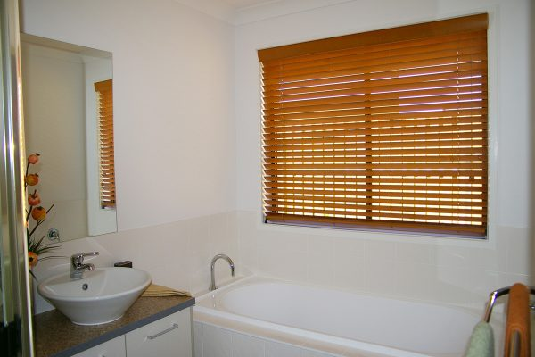 w-blinds-bathroom